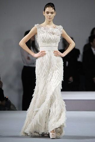 """""""Выбираем свадебное платье!"""" 93 идеи ведущих дизайнеров. Изображение № 43."""