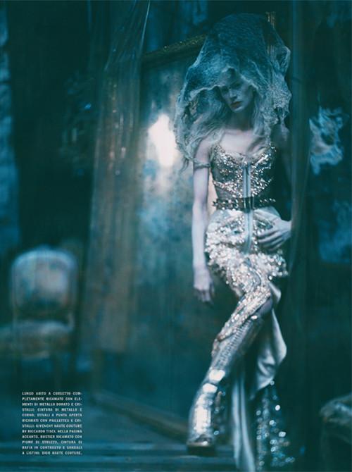 Архивная съёмка: Кристен МакМенами для Vogue Italia, сентябрь 2010. Изображение № 8.