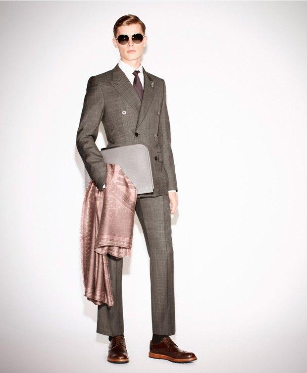 Показаны новые лукбуки Gucci, Louis Vuitton и Prada. Изображение № 34.