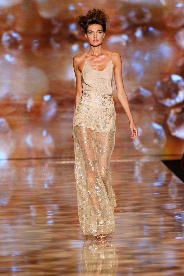 New York Fashion Week: Badgley Mischka Spring 2012. Изображение № 20.