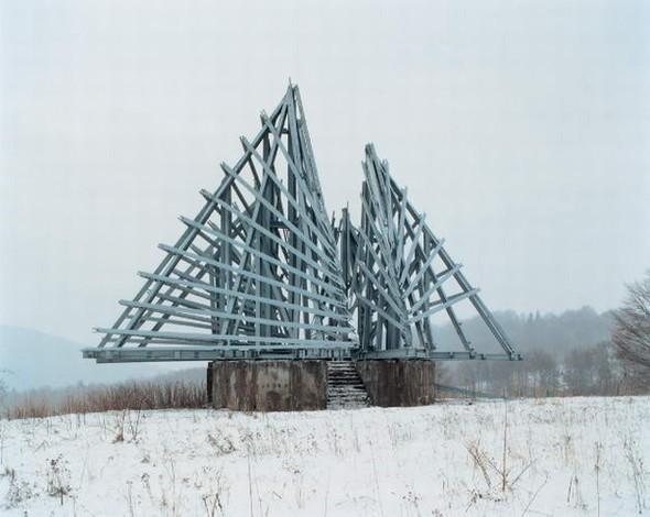 ЯнКемпенаэрс. Югославские споменики. Изображение № 13.