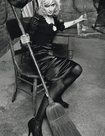 Мадонна в новой рекламе D&G. Изображение № 9.