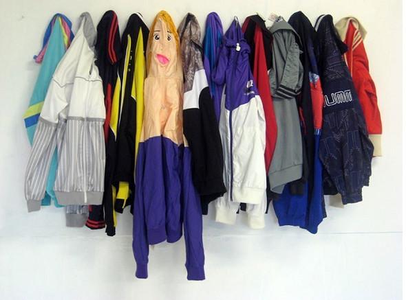 Одежда из надувных кукол. Изображение № 7.