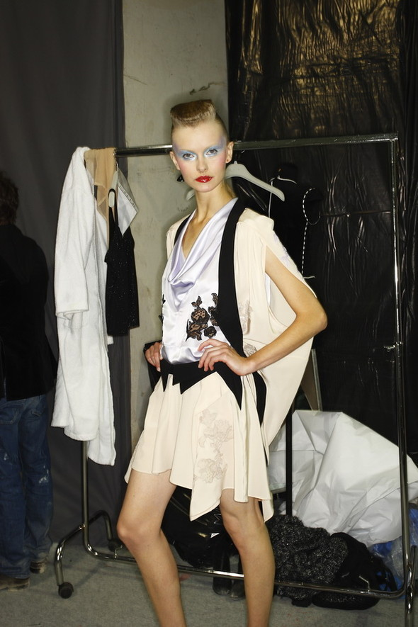 Viktor&Rolf ss2010! Brilliant backstage!. Изображение № 17.