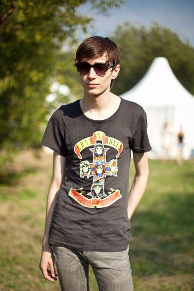 Изображение 3. Люди в футболках музыкальных групп на Пикнике «Афиши».. Изображение № 9.