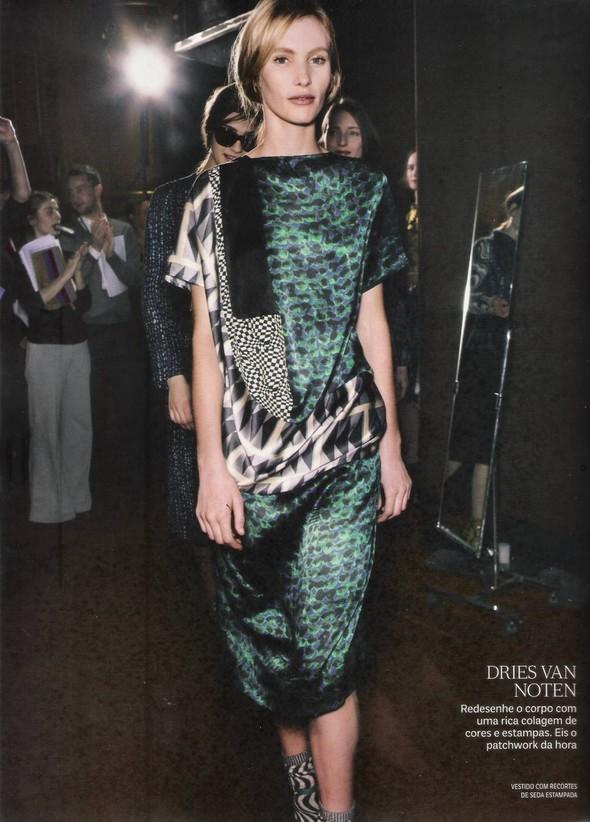 Съёмка: фотографии с бэкстейджей в бразильском Vogue. Изображение № 11.