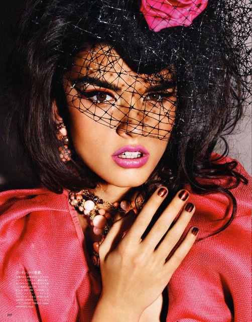 Съёмка: Кристал Ренн для Vogue. Изображение № 4.