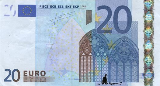 Художник в знак протеста изрисовал банкноты на 3555 евро. Изображение № 41.