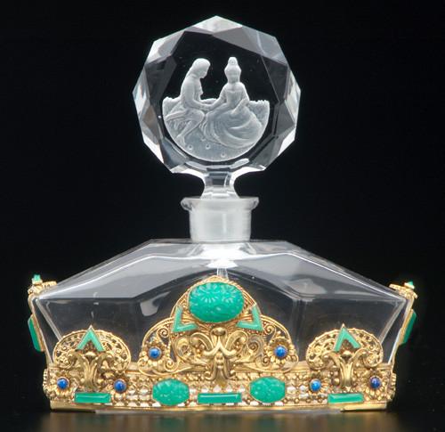 Самые красивые флаконы парфюма. Изображение №14.