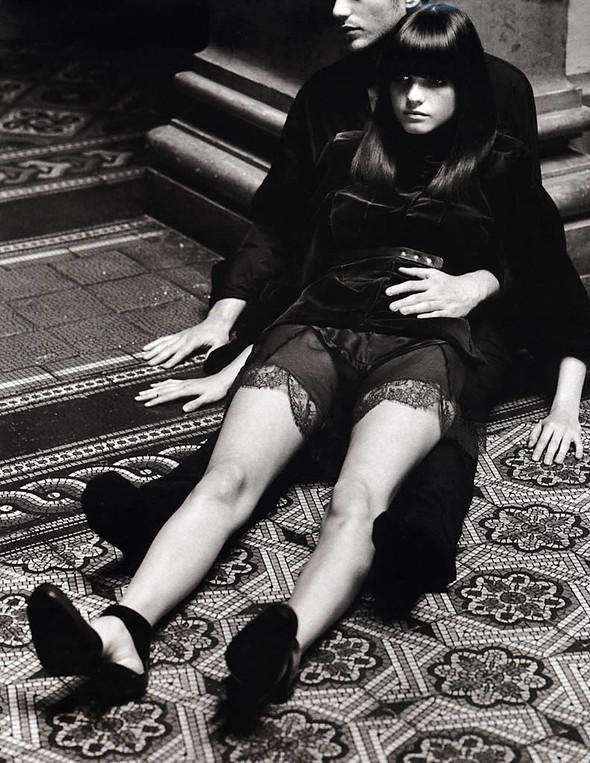 Архивная съёмка: Макс Вадукул для российского Vogue, 2002. Изображение № 8.