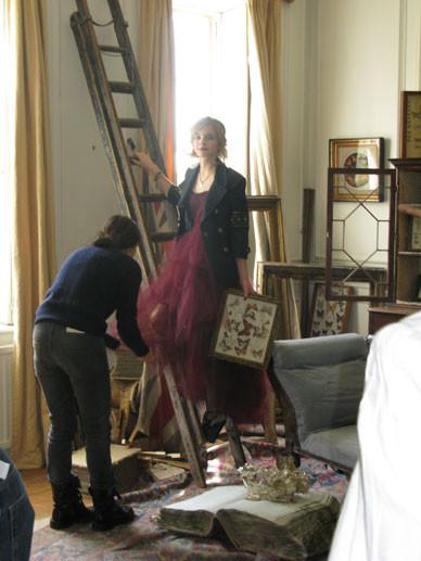 Emma Watson дляTeen Vogue August 2009. Изображение № 10.