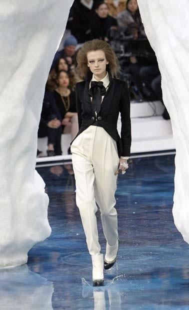 Ледяное шоу от Chanel. Изображение № 11.