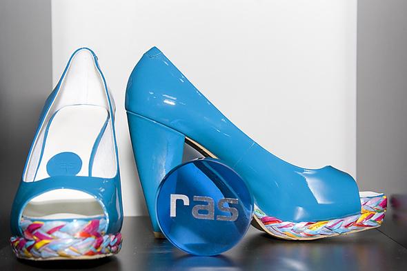 Испанская обувь. Изображение № 6.