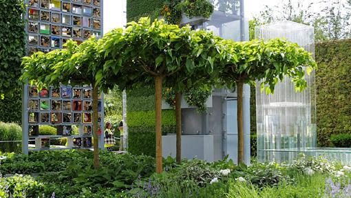 The B&Q Garden, пропагандирует систему вертикальных садов и возможности выращивания натуральной пищи на маленькой площади в высоко урбанизированных городах. Изображение № 4.