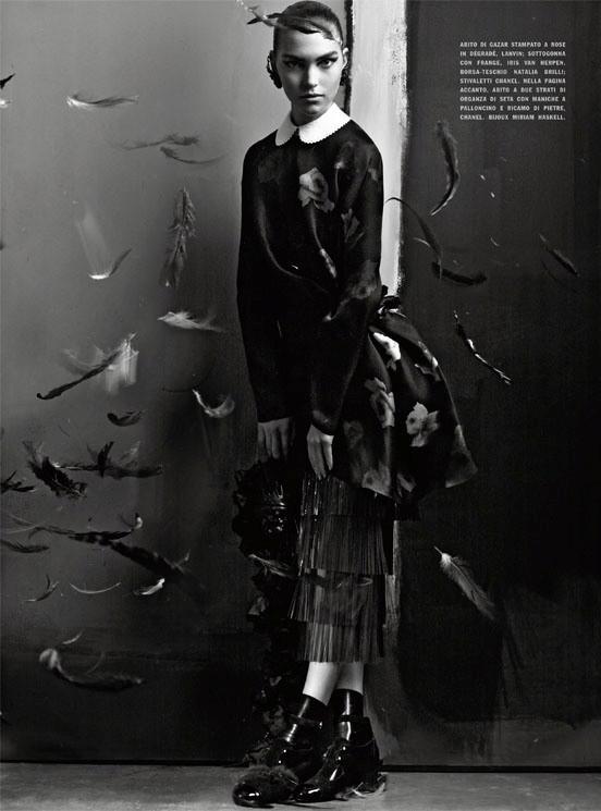 Съемка: Аризона Мьюз и Руби Олдридж для Vogue Италия. Изображение № 12.