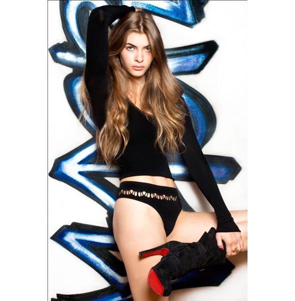 Новости моды: Алена Долецкая, Marc by Marc Jacobs, Burberry и другие. Изображение № 9.