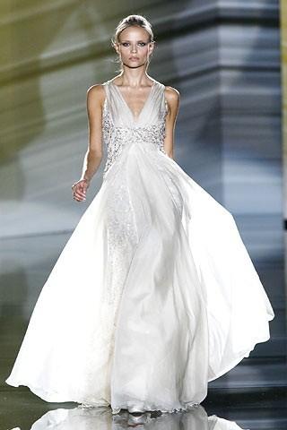 """""""Выбираем свадебное платье!"""" 93 идеи ведущих дизайнеров. Изображение № 16."""