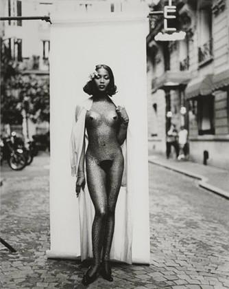 Части тела: Обнаженные женщины на фотографиях 1990-2000-х годов. Изображение №127.