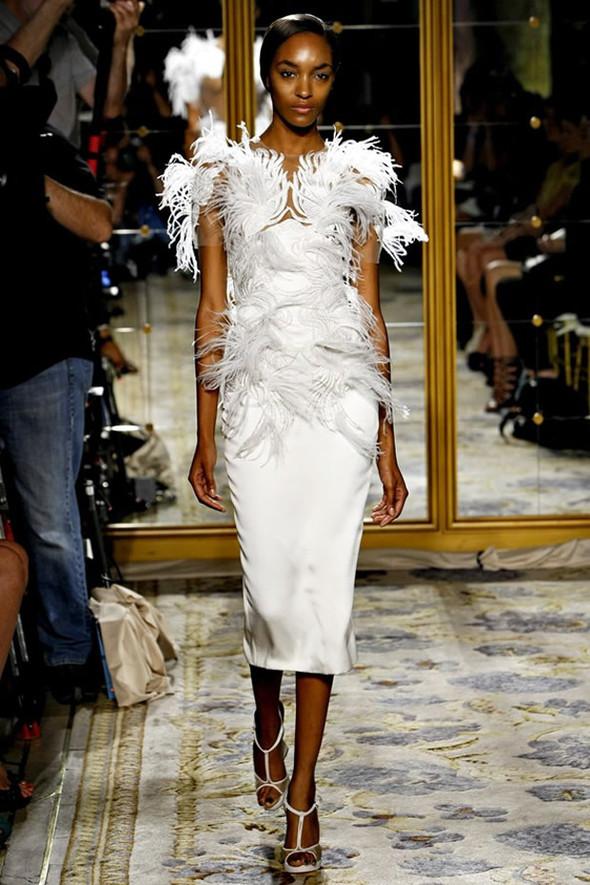ТОП 10 белых платьев 2012 в коллекциях дизайнеров сезона весна-лето. Изображение № 8.