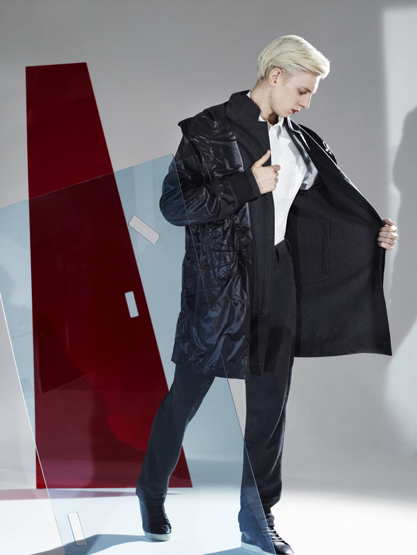 Лукбук: Urban Mobility by Hussein Chalayan FW 2011. Изображение № 3.