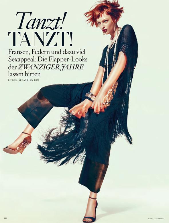 Съёмка: Дага Зёбер для Vogue. Изображение № 1.
