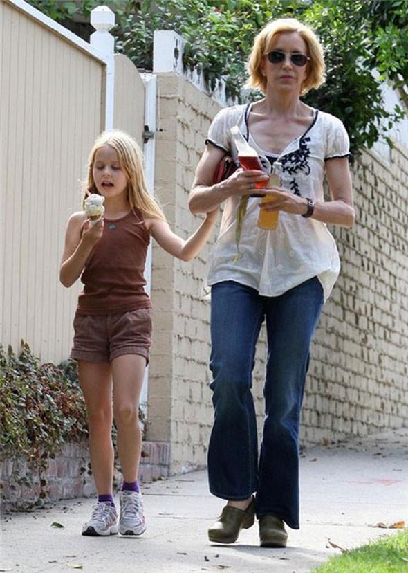 О чем говорят джинсы - 2. Изображение № 7.