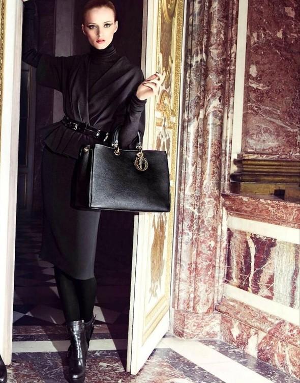 Кампании: Dior, Versace, Gucci и Burberry. Изображение № 3.