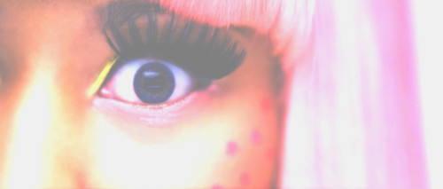 Изображение 1. Nicki Minaj - Super Bass.. Изображение № 2.