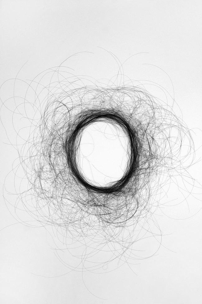 Дизайнер создала шрифт из человеческих волос. Изображение № 5.
