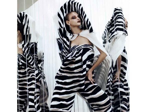 Анна Селезнева в японском Vogue, май 2011. Изображение № 7.