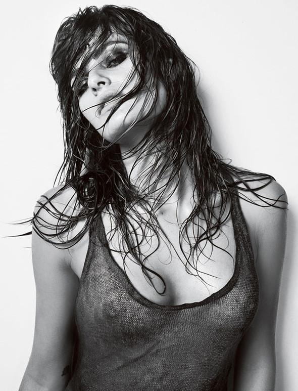 Vogue Homme Brazil Isabeli Fontana by Jacques Dequeke. Изображение № 2.