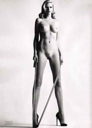 Ле форм: 10 моделей с большой грудью. Изображение № 8.