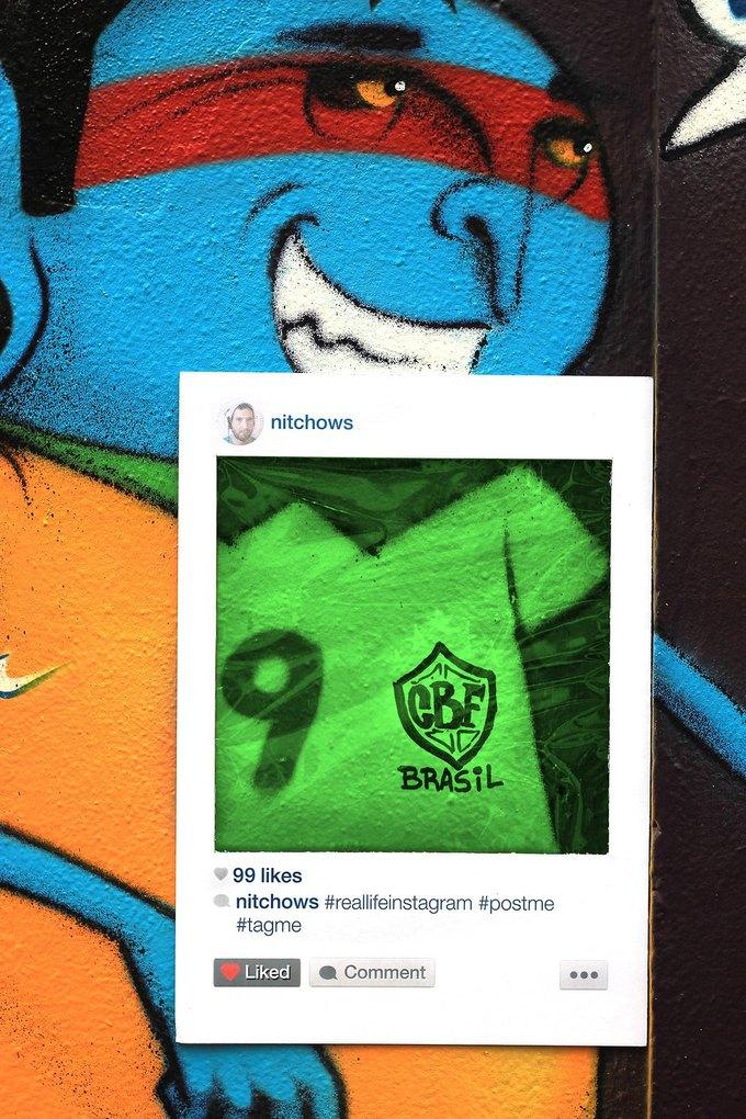 Художник перенёс Instagram на улицы города. Изображение № 4.