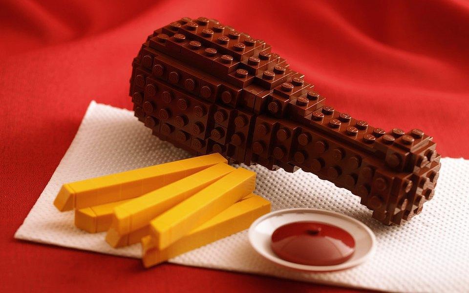 Как выглядит еда, сделанная из LEGO. Изображение № 4.