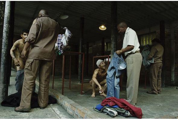 Преступления и проступки: Криминал глазами фотографов-инсайдеров. Изображение № 172.