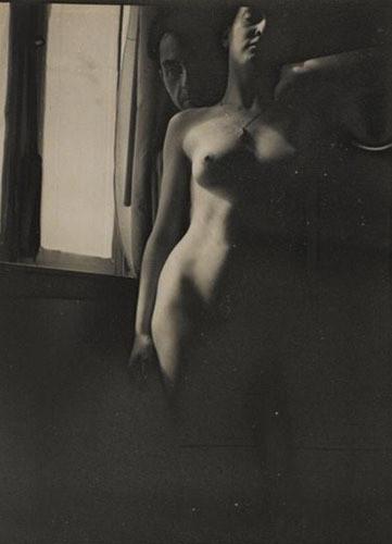 Части тела: Обнаженные женщины на винтажных фотографиях. Изображение №67.