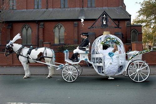 Изображение 14. Цыганские невесты и их свадебные платья.. Изображение № 11.