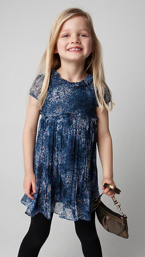 Все лучшее детям: лукбуки D&G, Gucci, John Galliano, Burberry. Изображение № 16.