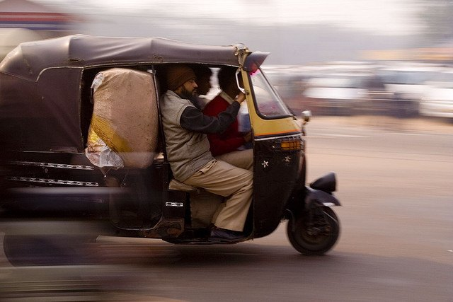 Uber запустил в Индии сервис с рикшами . Изображение № 1.