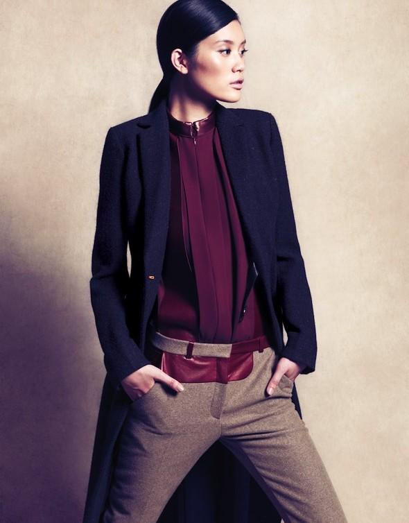 Съёмка: Сунь Фэй Фэй и Мин Си в Celine для Vogue. Изображение № 7.