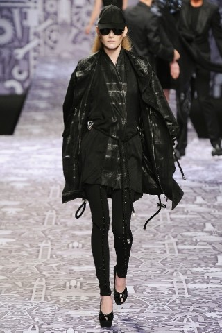 Back to black : Gareth Pugh и Victor&Rolf aw 2010-2011. Изображение № 54.