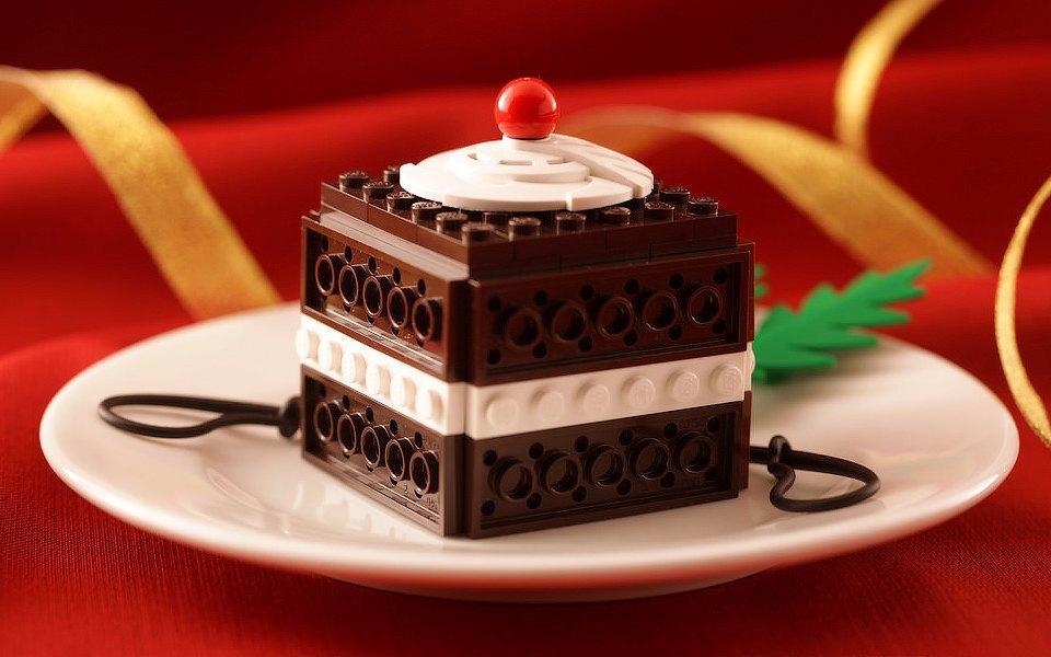 Как выглядит еда, сделанная из LEGO. Изображение № 1.