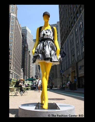 Американские модельеры переодели манекенов в Нью-Йорке. Изображение № 16.