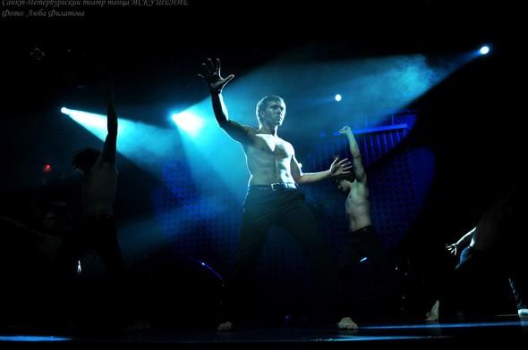 """8 марта Театр Танца """"Искушение"""" признался в любви своим зрителям!. Изображение № 1."""