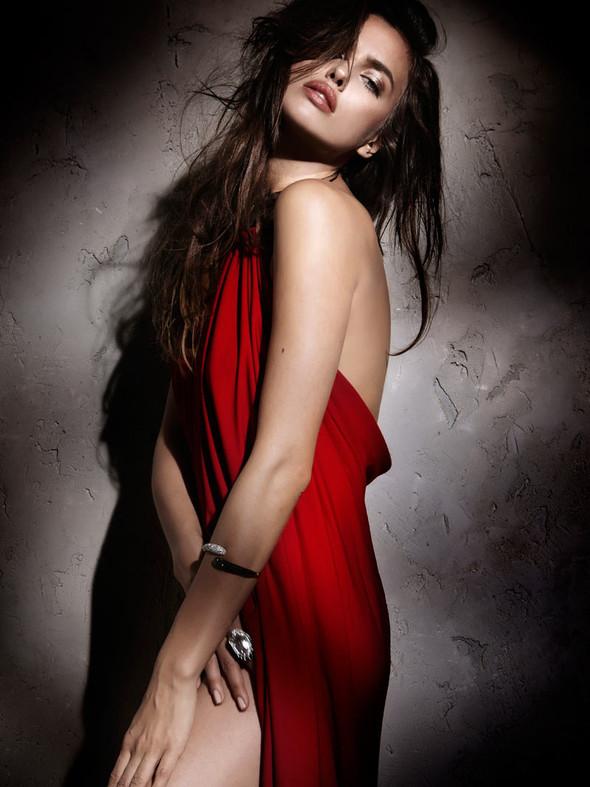 Съемка: Ирина Шейк для Elle Испания. Изображение № 4.