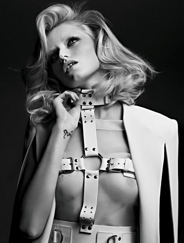 Изображение 2. Эбби Ли Киршоу для апрельского Vogue Russia.. Изображение № 2.