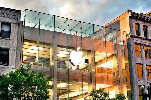 Apple объявила о поиске креативного директора в России. Изображение № 1.