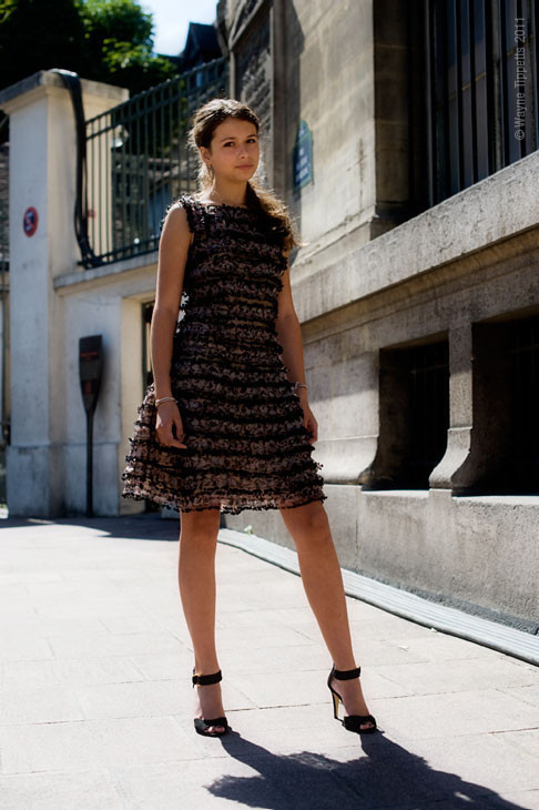 Уличный стиль на Неделе высокой моды в Париже. Изображение № 125.