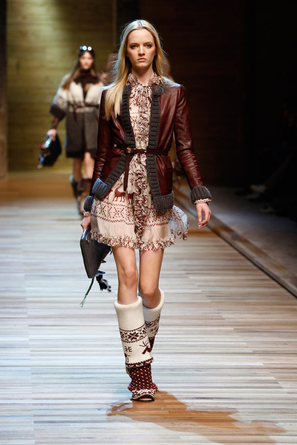 Dolce & Gabbana Fashion Show Winter 2011. Изображение № 10.
