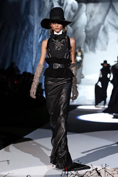 Dsquared2, источник: www.fashionologie.com. Изображение № 24.